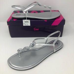 NEW Fioni Present Sandals Size 11 silver NIB
